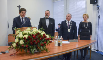 Radni miejscy w Stalowej Woli zebrali się na pierwszej w swojej kadencji sesji.