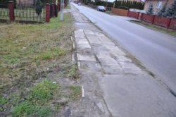 Tak obecnie wygląda chodnik na ulicy Kolejowej