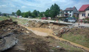 Region, Modliborzyce: Caritas Diecezji Sandomierskiej organizuje pomoc dla mieszkańców zalanych gospodarstw z Wierzchowisk i Pasieki.