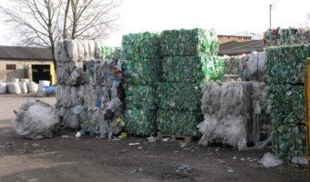 Ożarów: Więcej za śmieci.